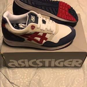 Like new only worn one time AsicsTiger sneakers